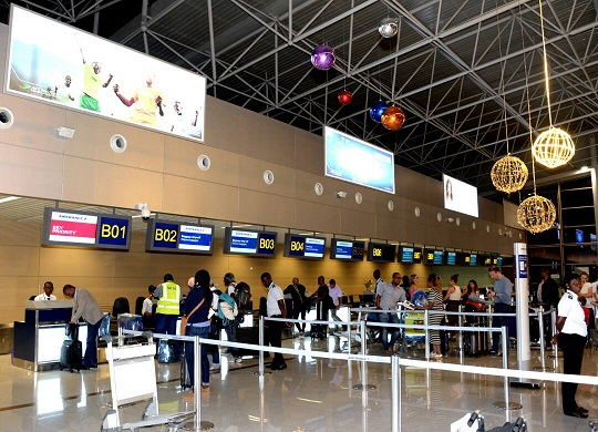 A L'AEROPORT INTERNATIONAL GNASSINGBE EYADEMA,  LE TRAITEMENT DES BAGAGES EST NORMALISE ET SECURISE !